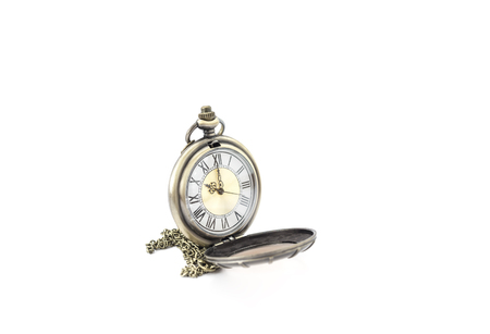 Reloj de parada de metal viejo aislado sobre fondo blanco Foto de archivo