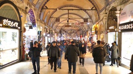 Istanbul, Turkey - January 8, 2020: People shopping in the Grand Bazar in Istanbul, Turkey, one of the largest covered markets in the world, Istanbul. 에디토리얼