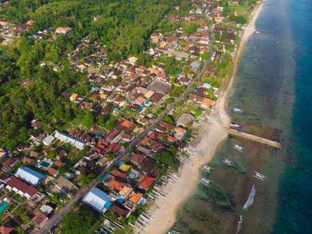 Indonesian Sampalan village on the island of Nusa Penida. View from the height. Standard-Bild
