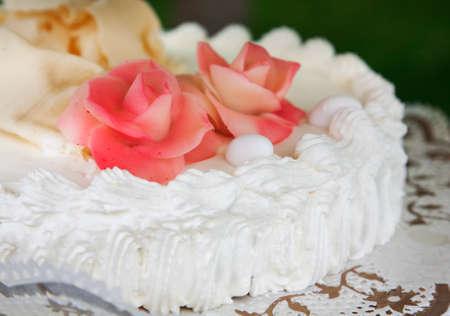 confetto: Close up of wedding cake