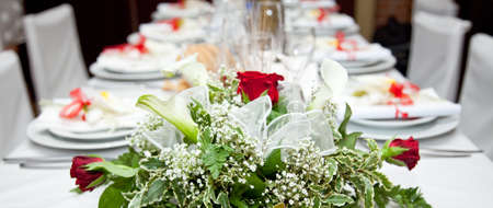 wedding table setting: Table setting at a restaurant.