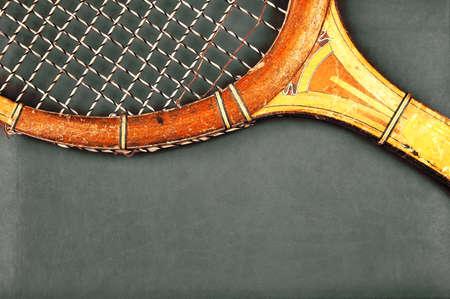 raqueta de tenis: Detalle de la raqueta de tenis de la vendimia con el espacio