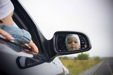 junge Fahrer in einem Auto Lizenzfreie Bilder