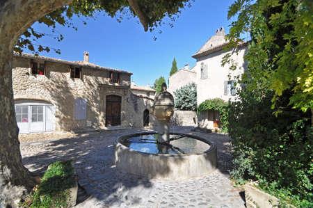 provencal: Fountain in Place de Vieux-Marche and Rue des Fours, ( Haute-Ville) at Vaison La Romain, in the Vancluse, Provence, France.