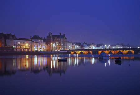 britan: The ancient port of Bideford, in North Devon, England, lies on the river Torridge.