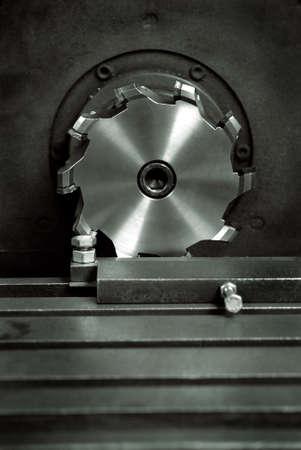 milling center: Fresa del laminatoio di fronte Un mulino volto � composto da un corpo fresa che � stato progettato per contenere pi� di carburo monouso o consigli in ceramica o inserti utilizzati per la lavorazione o la lavorazione dei metalli Archivio Fotografico