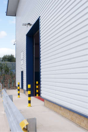 loading bay: Loading bay entrance in a warehouse or industrial unit  Stock Photo
