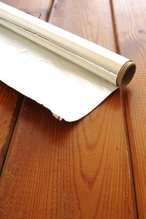 foil roll: Roll of kitchen or aluminum foil