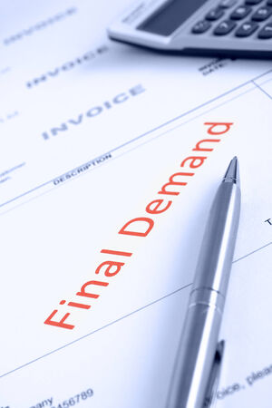 point of demand: Overdue Invoice with final demand notification in red