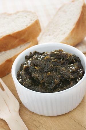 manjar: Laverbread un manjar galesa de algas Foto de archivo