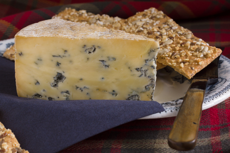perl: Perl Las or Blue Pearl a Welsh blue cheese served with spelt and muesli crackers Stock Photo