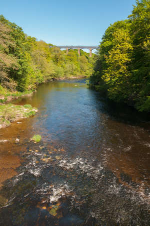 The River Dee with the Pontcysyllte canal aqueduct in North Wales Stock Photo