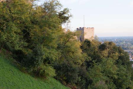 védekező: védőfal, kastély Marostica, Olaszország