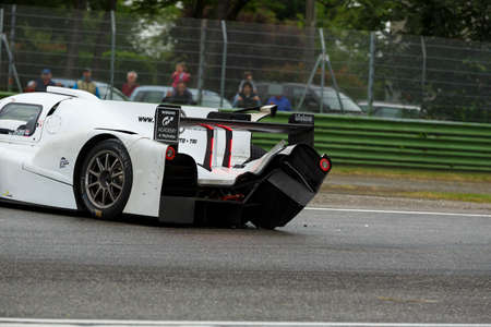 enzo: Imola, Italy May 16, 2015: Ginetta Nissan of Lanan Racing Team, driven by Alex Craven and Mark Shulzhitskiy in action During The European Le Mans Series - 4 Hours of Imola Autodromo Dino Ferrari Enzo on May 16, 2015 in Imola, Italy.