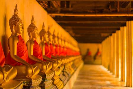 Golden Buddhas in Thai temple