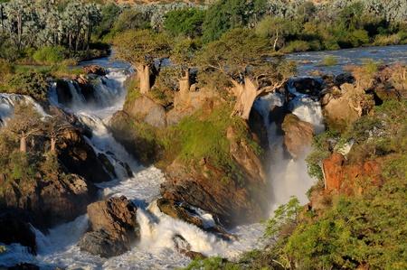 ナミビアとアンゴラの国境の Epupa 滝の小さい部分 写真素材