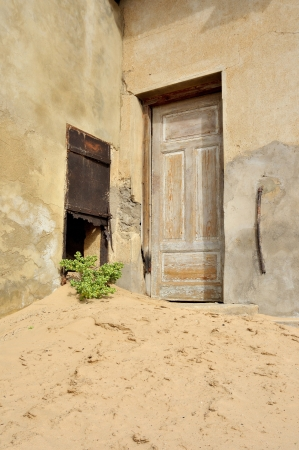 kolmanskop: Decaying architecture at Kolmanskop near Luderitz in Namibia