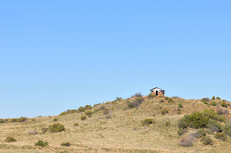 boer: Blocao junto a la carretera S139 sur de Springfontein en la Provincia Septentrional del Cabo en Sud�frica. Bloque de casas fueron utilizados por las tropas brit�nicas para defender las l�neas de ferrocarril durante la segunda Guerra de los Boers