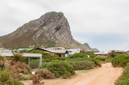 south africa soil: ROOI ELS, SOUTH AFRICA - DECEMBER 23, 2014: Holiday homes in Rooi Els between Gordons Bay and Kleinmond, South Africa. It is a popular vacation spot for anglers
