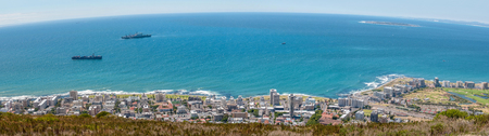 robben island: Panorama of Sea Point and Robben Island as seen from Signal Hill in Cape Town