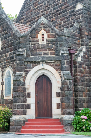 anglican: KNYSNA, SOUTH AFRICA - JANUARY 5, 2015: The new St. Georges Anglican Church was built in 1935 Editorial