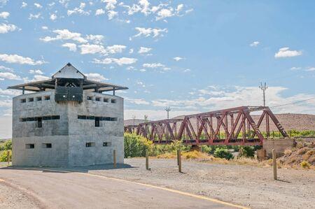 boer: Blocao en el puente ferroviario del r�o Geelbek en el Cabo Occidental. Utilizado por las tropas brit�nicas para defender el puente durante la segunda Guerra Boer 1899-1902
