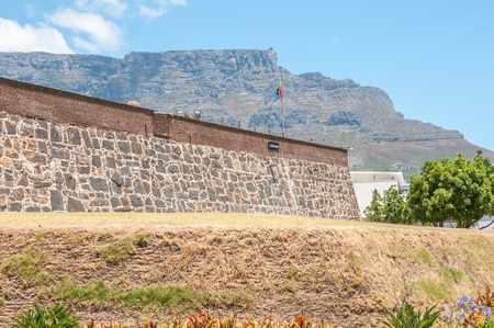 cape of good hope: CAPE TOWN, SOUTH AFRICA - DECEMBER 18, 2014:  One of the bastions of the Castle of Good Hope, Leerdam, with the upper cable station on Table Mountain in the back