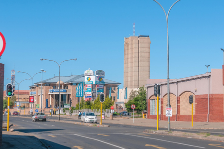 northern african: KIMBERLEY SOUTH AFRICA  APRIL 5 2015: Street scene in Kimberley the capital city of the Northern Cape Province of South Africa