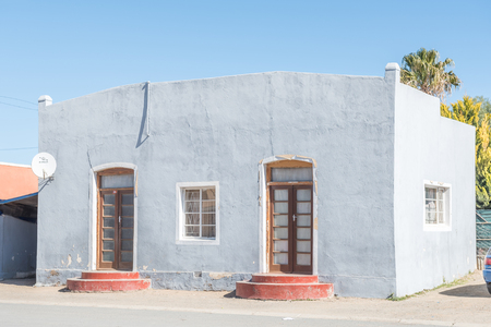 northern cape: CARNAVON, SOUTH AFRICA - AUGUST 10, 2015: An historic old house in Carnavon, a small town in the Northern Cape Karoo region of South Africa