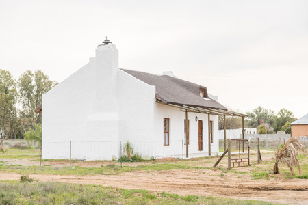 northern cape: NIEUWOUDTVILLE, SOUTH AFRICA - AUGUST 12, 2015: A rustic house in Nieuwoudtville, a small town in the Hantam region of the Northern Cape Province