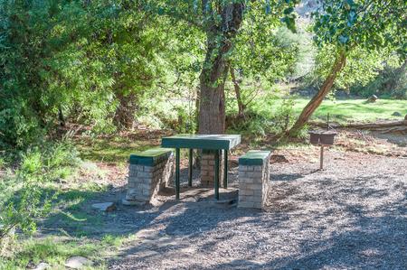 バーベキュー設備クラドック近くマウンテン ゼブラ国立公園の南アフリカ共和国の Weltevrede のピクニック エリア