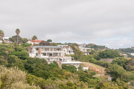 lodges: PLETTENBERG BAY, SOUTH AFRICA - MARCH 3, 2016: Luxury lodges and homes overlooking the Keurbooms River lagoon and mouth