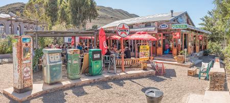 風光明媚なルート 62 の西ケープ州にある小さな町 Barrydale でディーゼルとクリームのレストランで BARRYDALE、南アフリカ - 2017 年 3 月 25 日: 歴史的な
