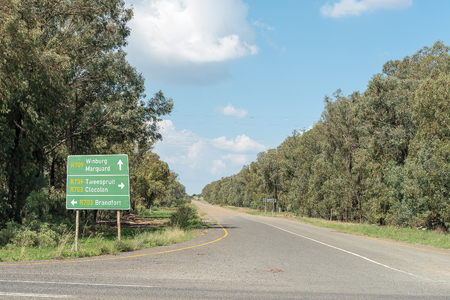 A directional sign board at the junction of the R709 and R703 roads at Excelsior, a small town in the Free Strate Province of South Africa Imagens