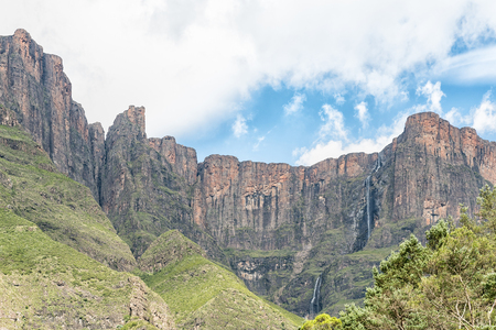 The Tugela Falls in the Drakensberg is, at 948 m, the 2nd tallest waterfall on earth. Seen from the far end of the Tugela Tunnel Stock Photo