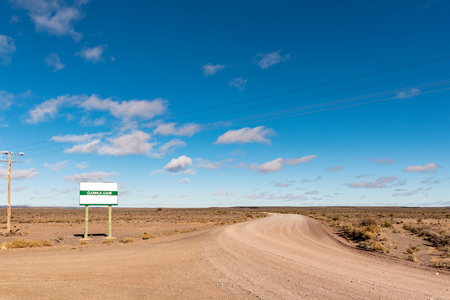 Road to the Gamka Dam near Loxton in the Northern Cape Province Imagens