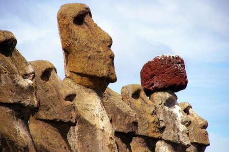 przodek: Wyspy Wielkanocne - zamknąć Tongariki Zdjęcie Seryjne