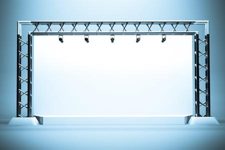 een concert podium met metalen frame