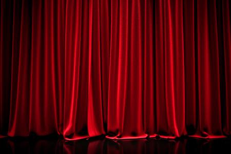 극장에서 빨간색 닫힌 커튼 스톡 콘텐츠