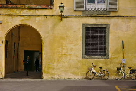 lucca: Lucca thoroughfare
