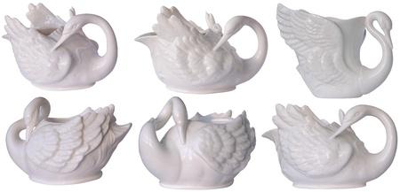 白鳥の形で美しい磁器の皿