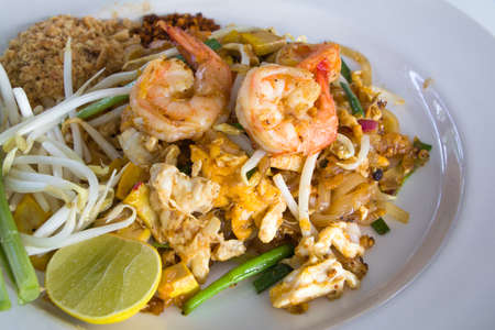 Pad Thai with Shrimps (Thai Traditional Food) on white plate Stok Fotoğraf