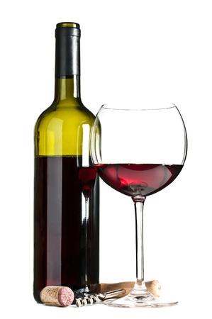 botella: vaso y una botella de vino aislado en un fondo blanco Foto de archivo