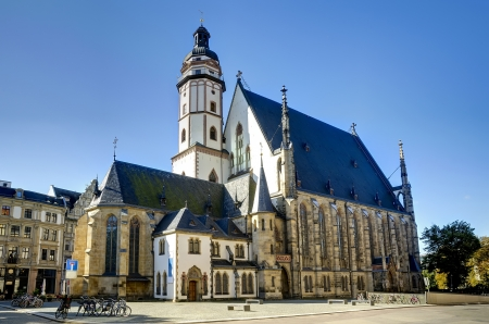 Thomaskirche (Kerk) in Leipzig op een mooie zonnige dag Stockfoto