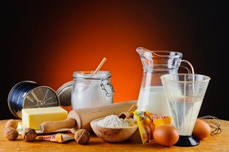 stilleven met traditionele bakken van ingrediënten