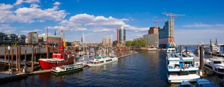 panorma met HafenCity in Hamburg, Duitsland