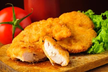nuggets pollo: sabroso tradicional pepitas primer pollo y verduras