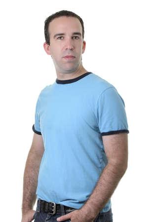 Metà ritratto corpo di un ragazzo normale isolato su uno sfondo bianco. Archivio Fotografico