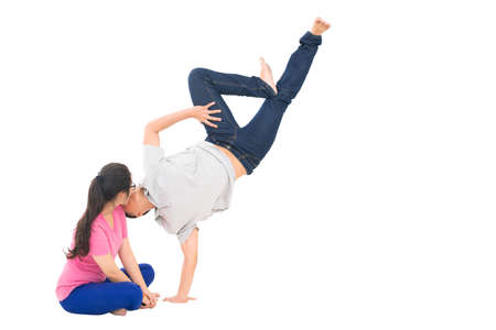 position d amour: Boy kissing his girlfriend in a jump Banque d'images