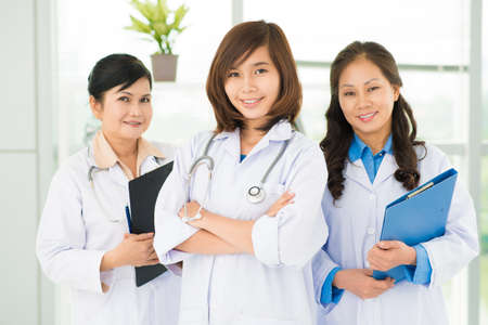 doctors smiling: Smiling asian doctors